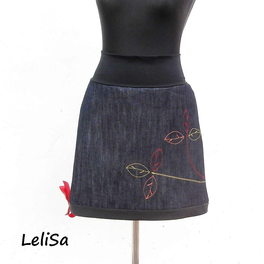 Kompletní specifikace · Související zboží · Ke stažení. Riflová (džínová)  sukně je ušita z tmavě modré ... abfdee13b4